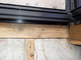 窓枠下のアフター