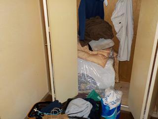 部屋1クローゼット前のアフター