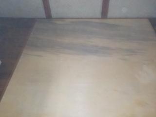 床撤去の作業風景