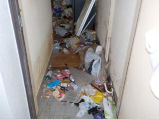 玄関のビフォア(清掃後)