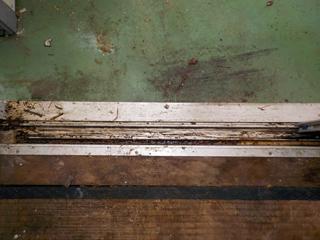 窓枠のビフォア(清掃後)