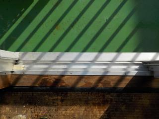 窓枠のアフター(清掃後)