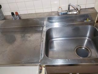 1部屋目のキッチンのアフター(清掃後)