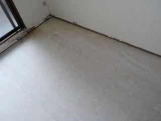 1部屋目の床のアフター(CF撤去後)