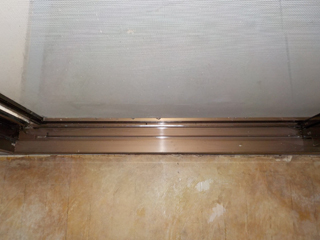 3部屋目の窓枠のアフター(清掃後)