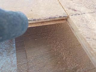 床材の済間の体液の染みだし